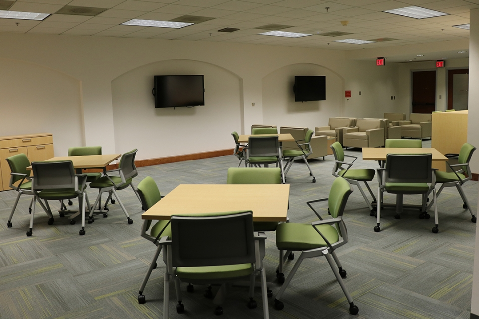 Configurable space in the faculty lounge