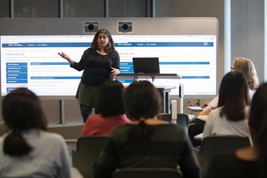 Librarian teaching a workshop